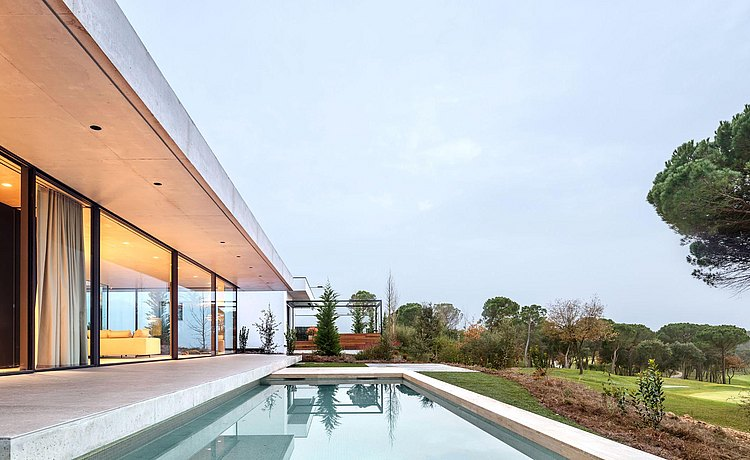 PHA house with swimming pool