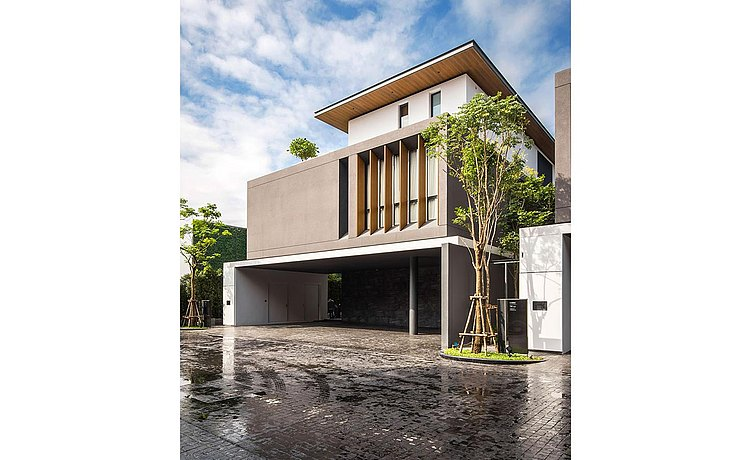 modern one-family house Issara